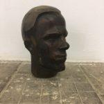 Скульптор Владимир Кузьмич Кротков жил в коммуналке на Ольховской, а работал на цоколе дома Обрабстроя в Басманном тупике. Сейчас там работаем его сын, Иван